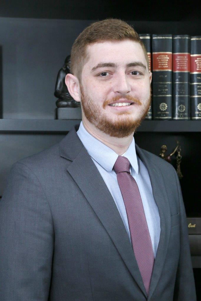 advogado_Henrique_Chiummo_flavio_pinheiro_neto_advogados_associados_blumenau