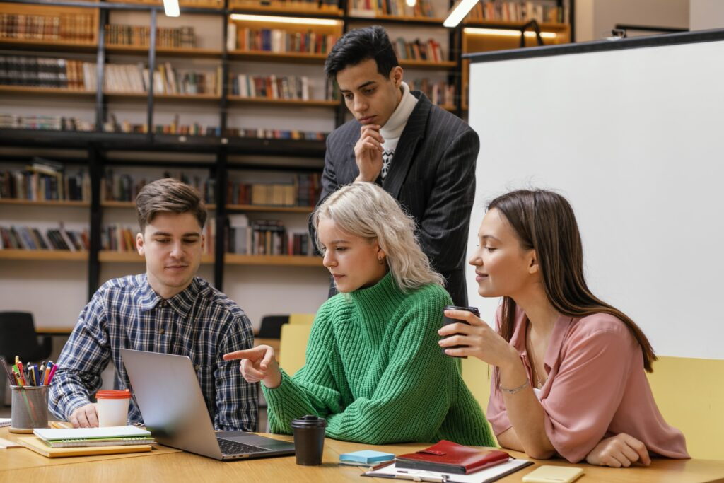 entrepreneurs-meeting-at-office